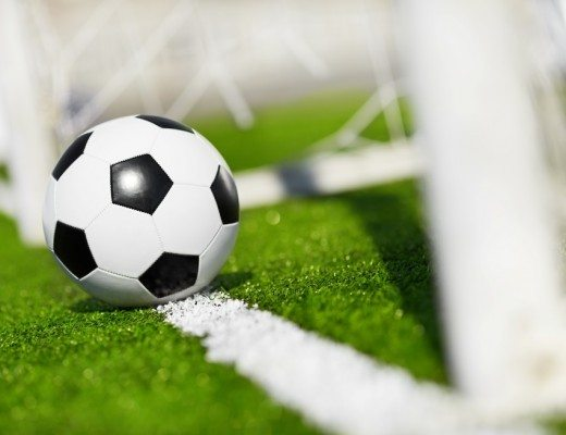 fodbold bold ved mål