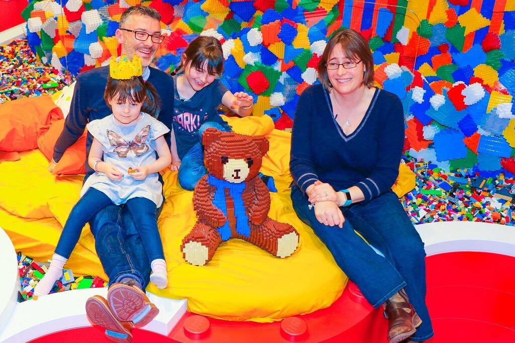 Skotsk Familie Overnattede I Lego House Billundonline